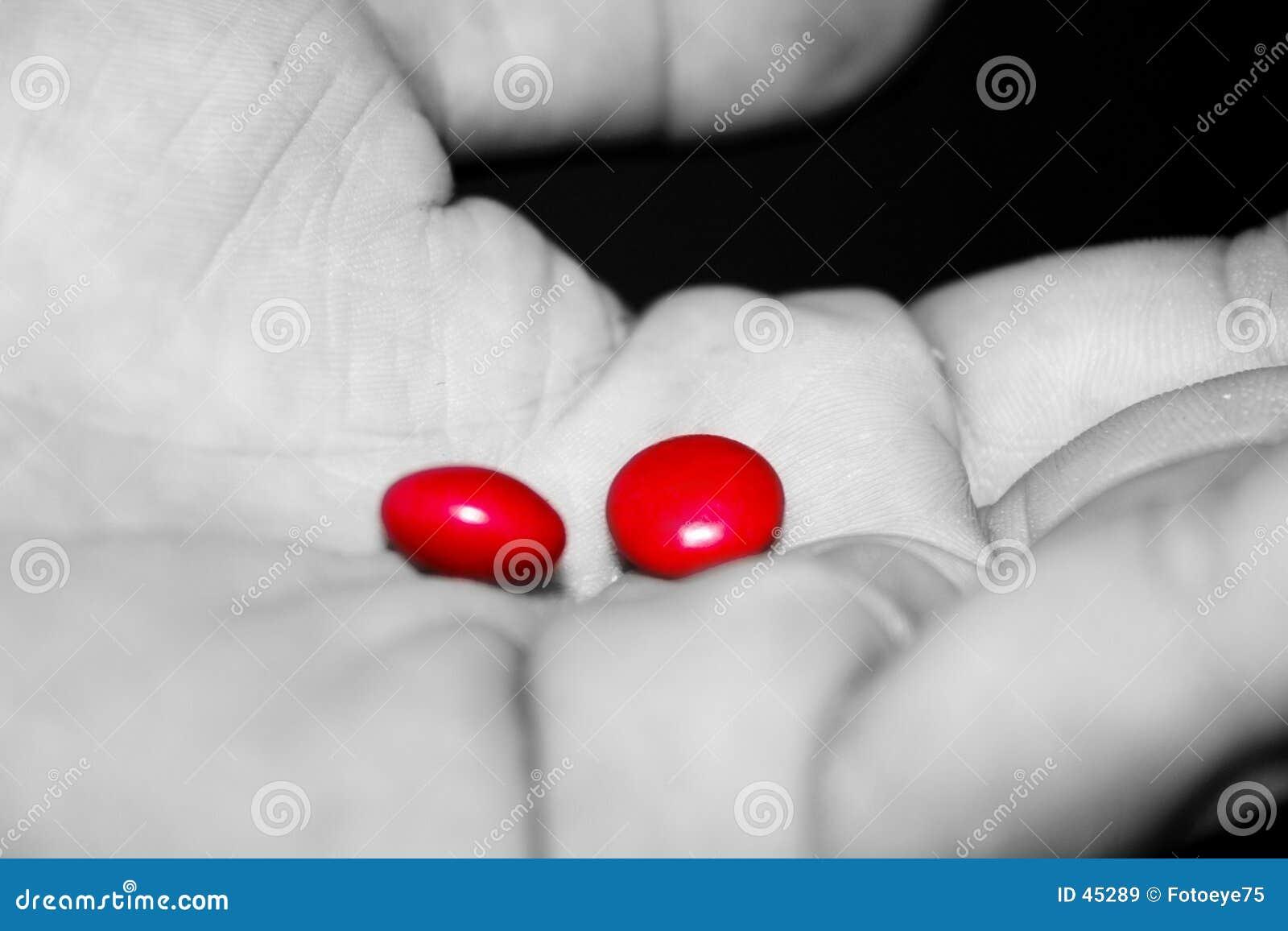 药片红色作为
