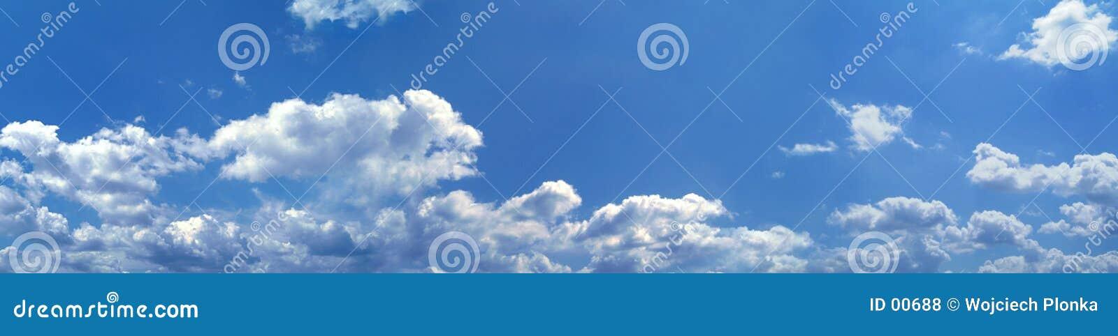 蓝色全景天空