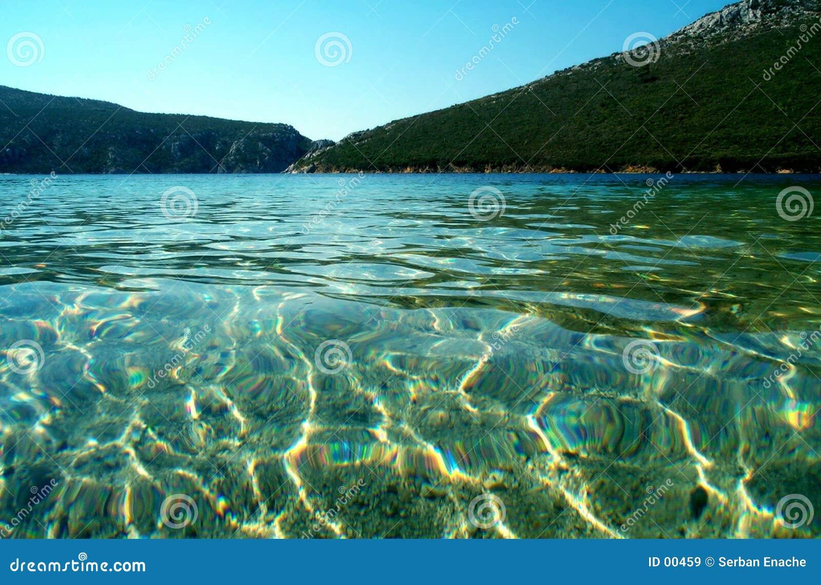 蓝色盐水湖