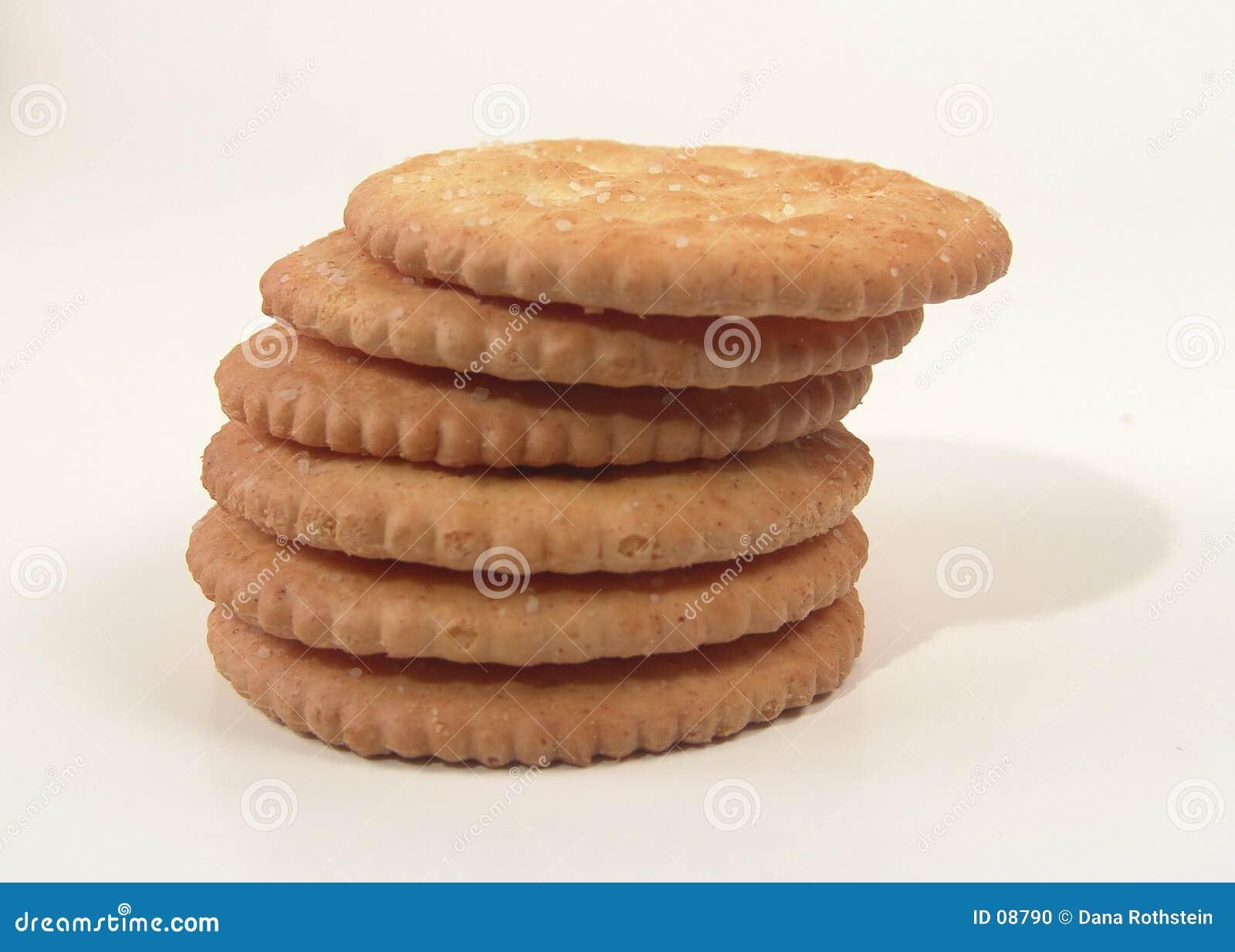 被堆积的薄脆饼干