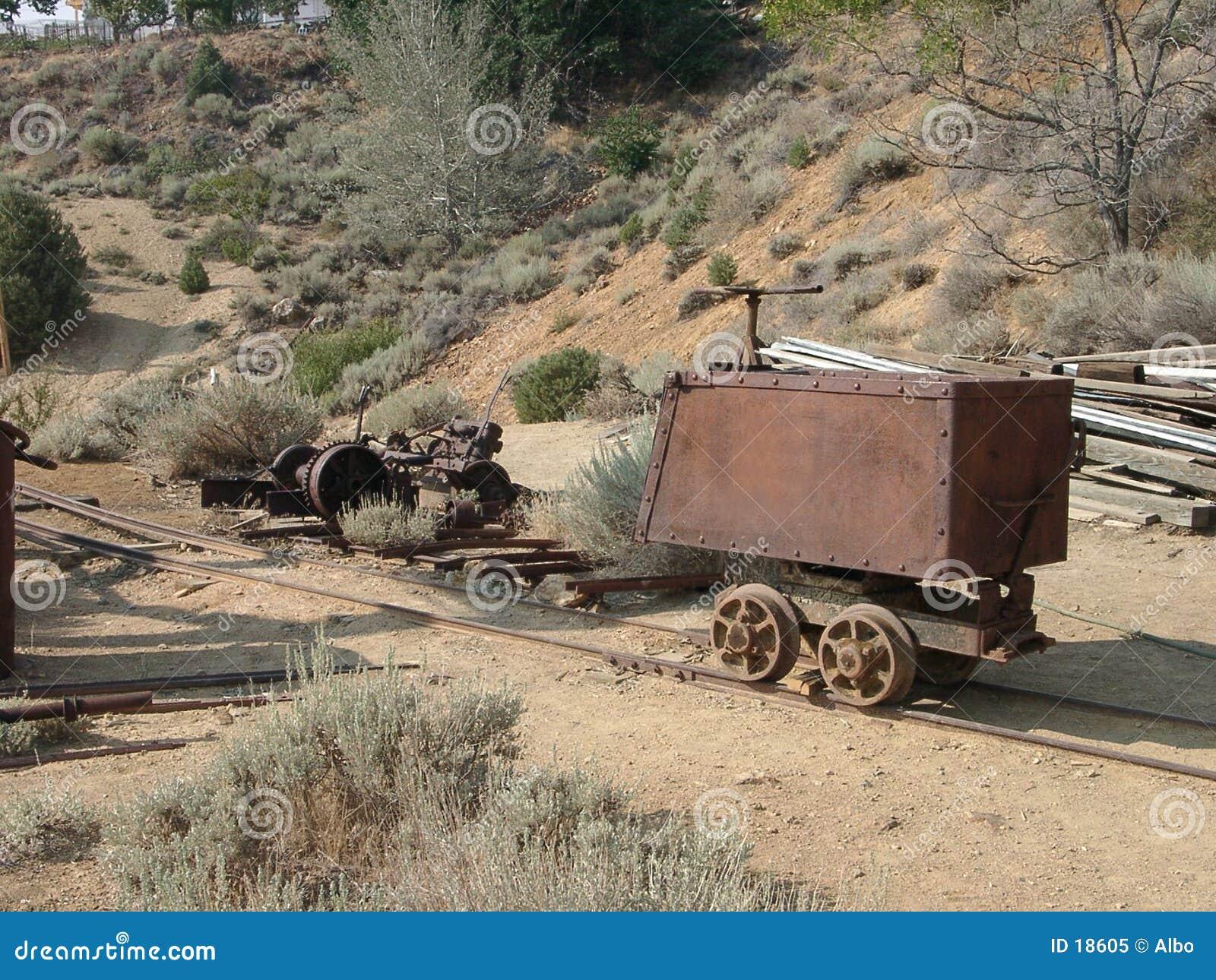 金无盖货车