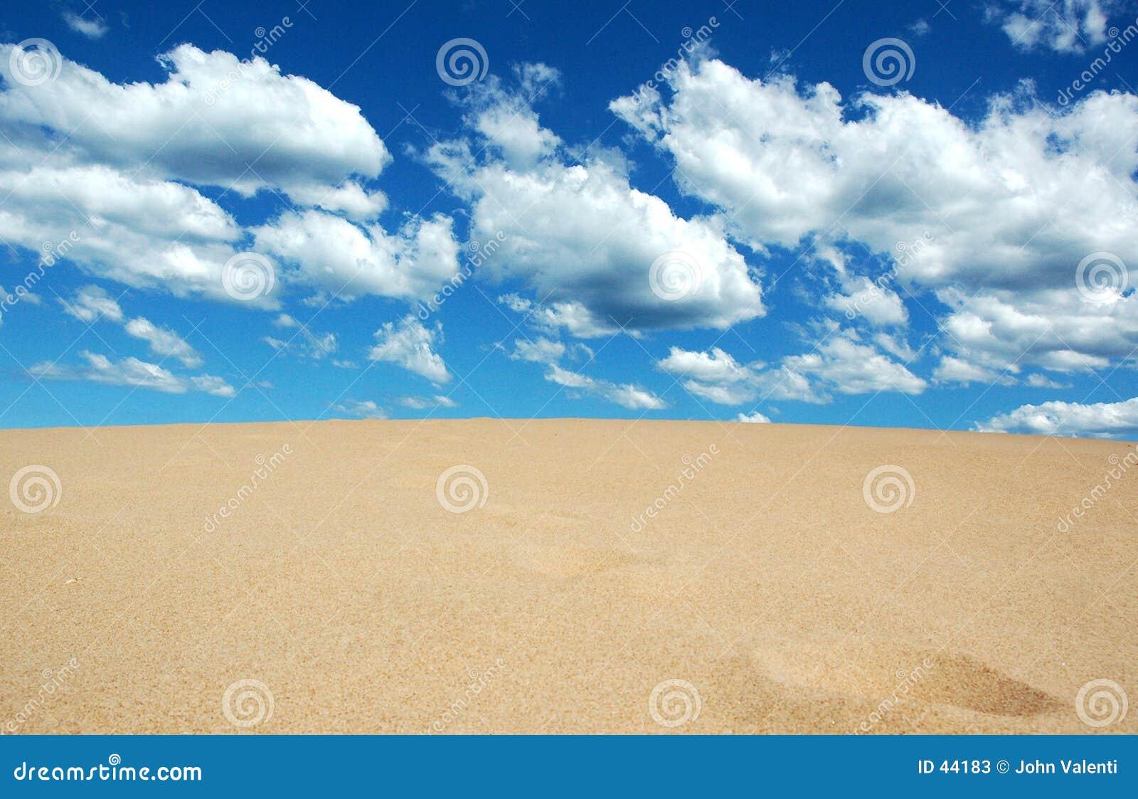 集会沙子天空