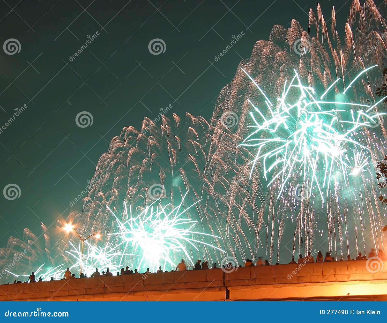 4$α πυροτεχνήματα Ιούλιος Νέα Υόρκη πόλεων
