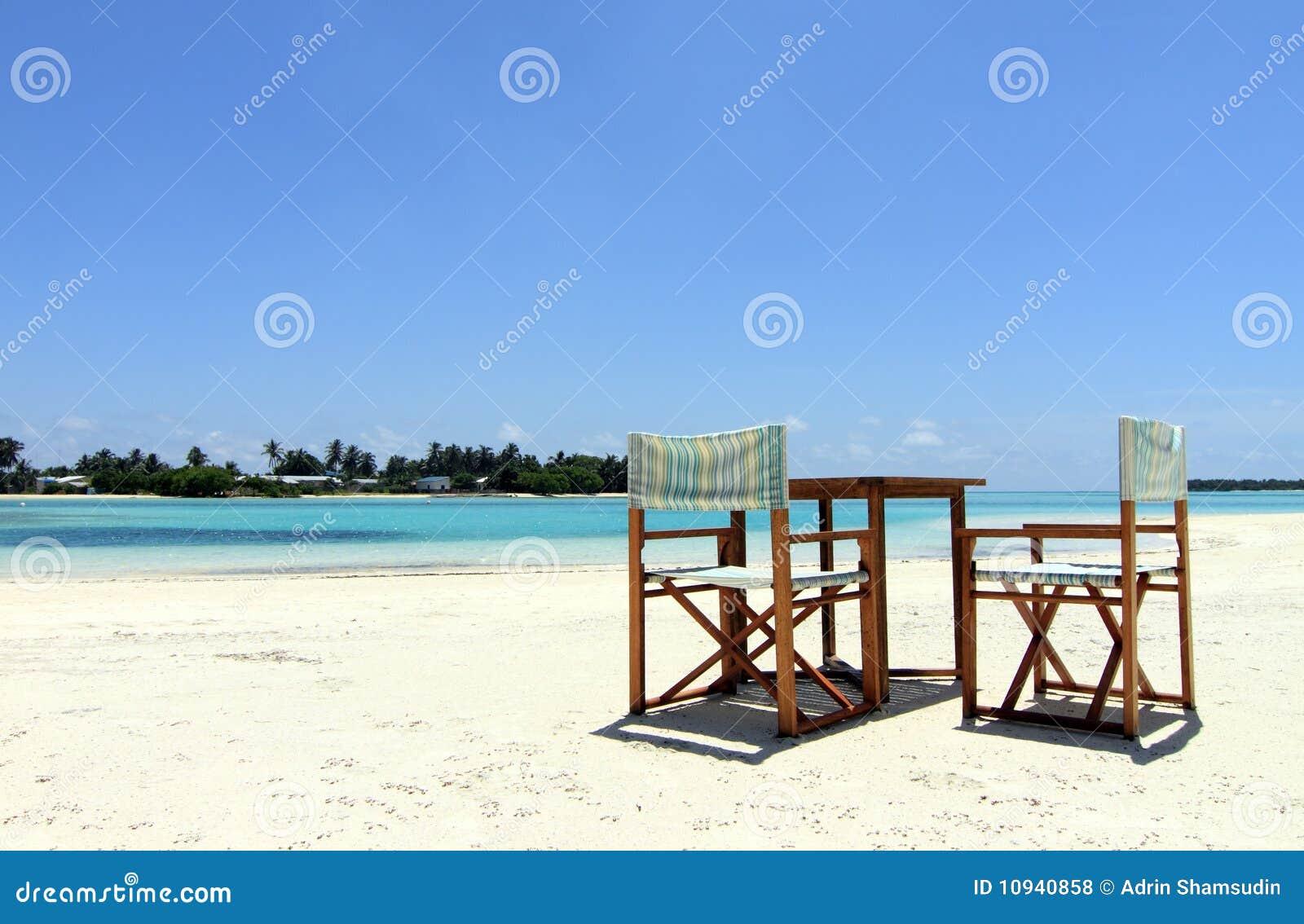 4 стула пляжа