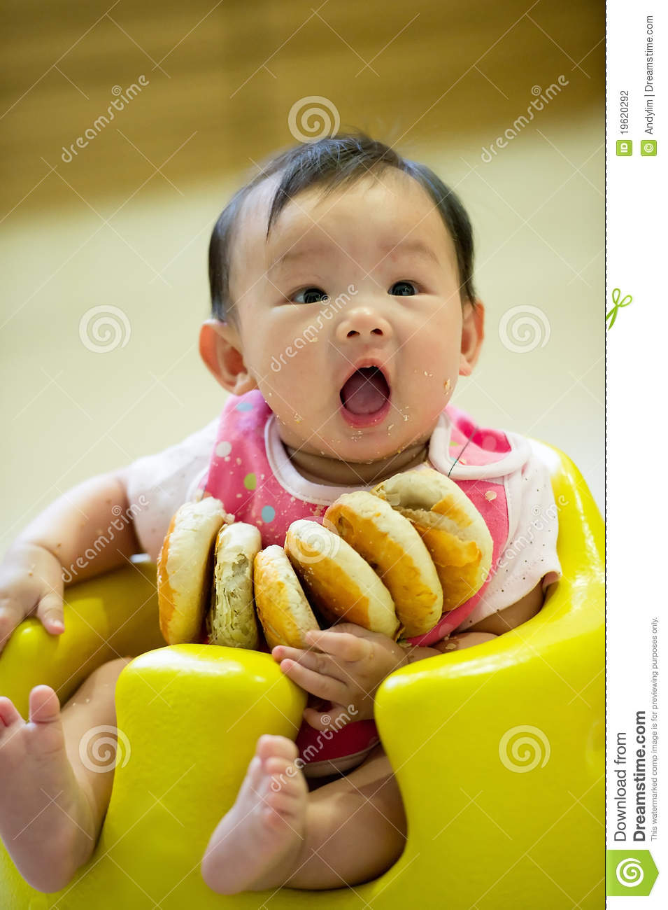 4 Month Old Asian Baby Girl Sitting Stock Photo - Image of