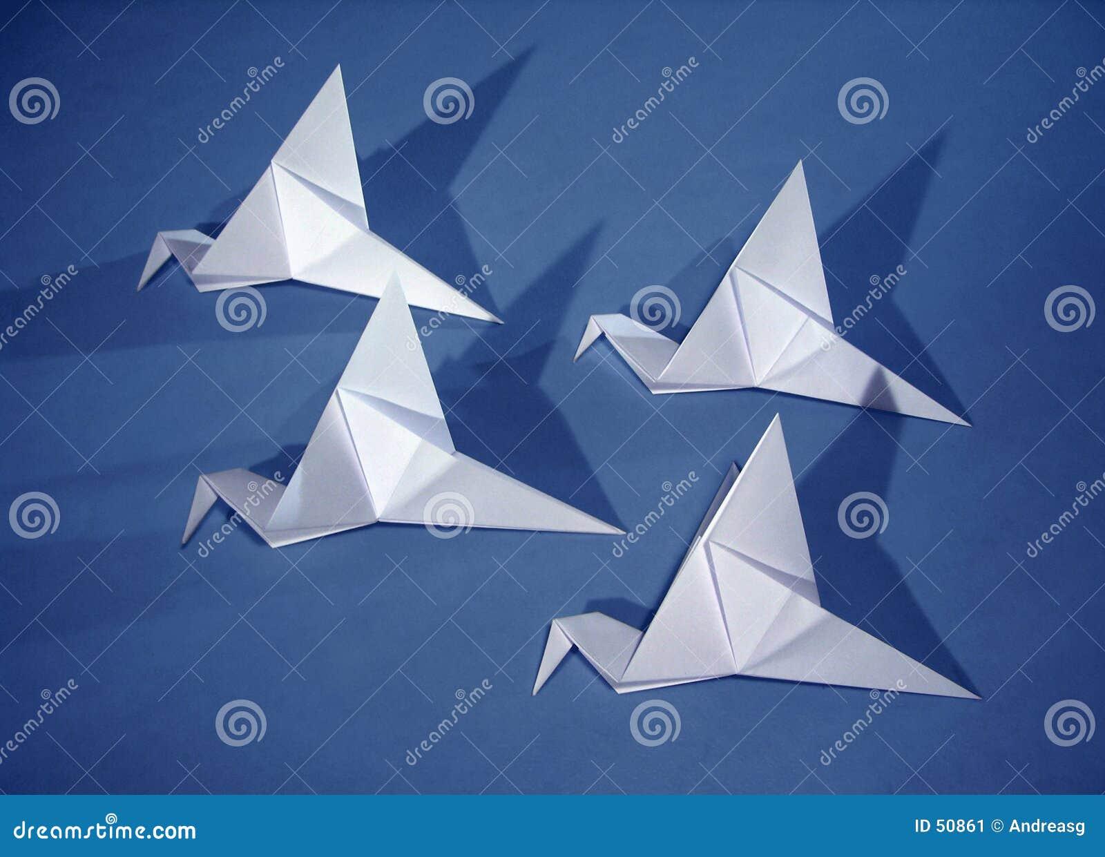 4 pássaros de papel