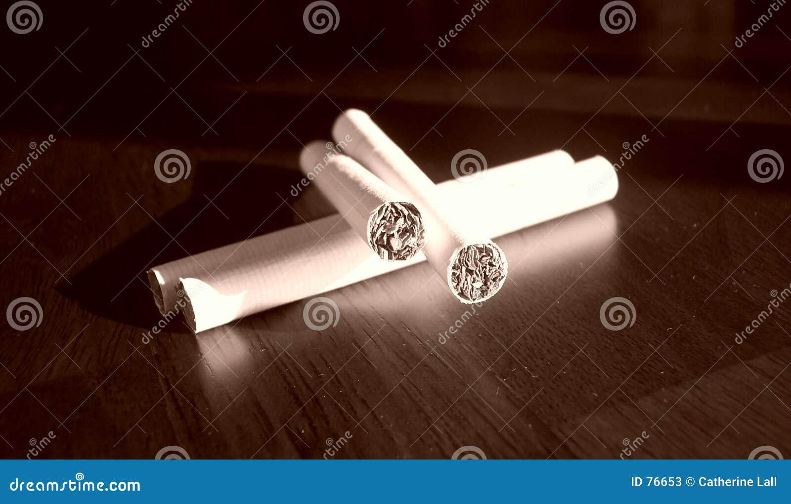 4 Zigaretten
