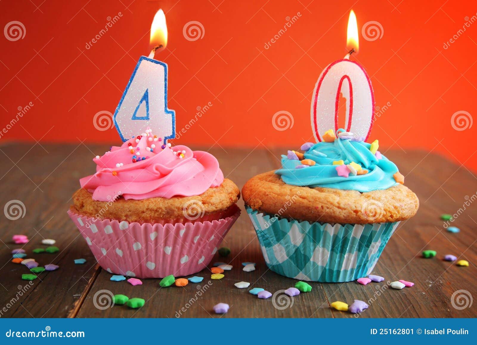 Kuchen mit 40 kerzen