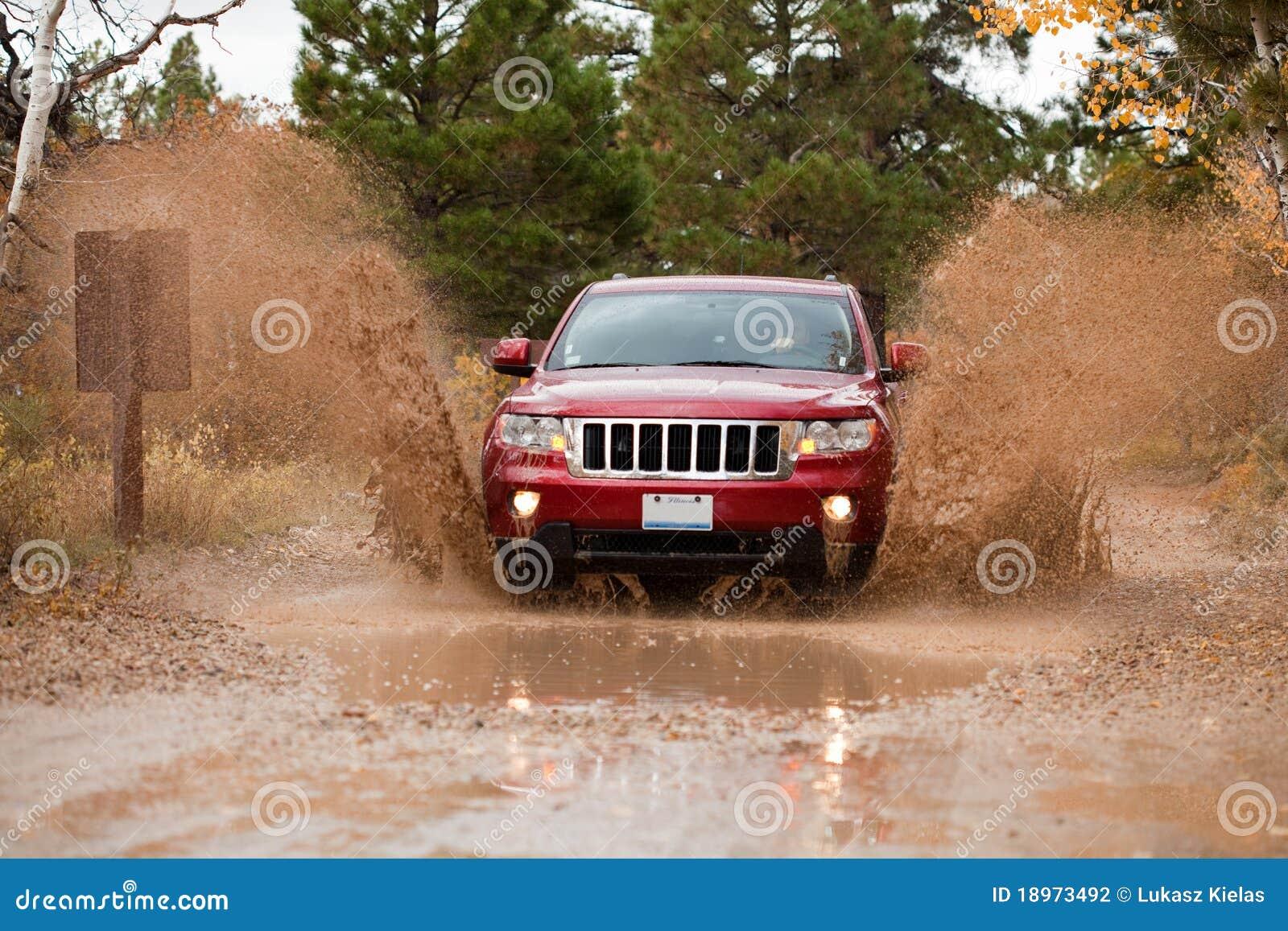 4x4 off road mud challange run