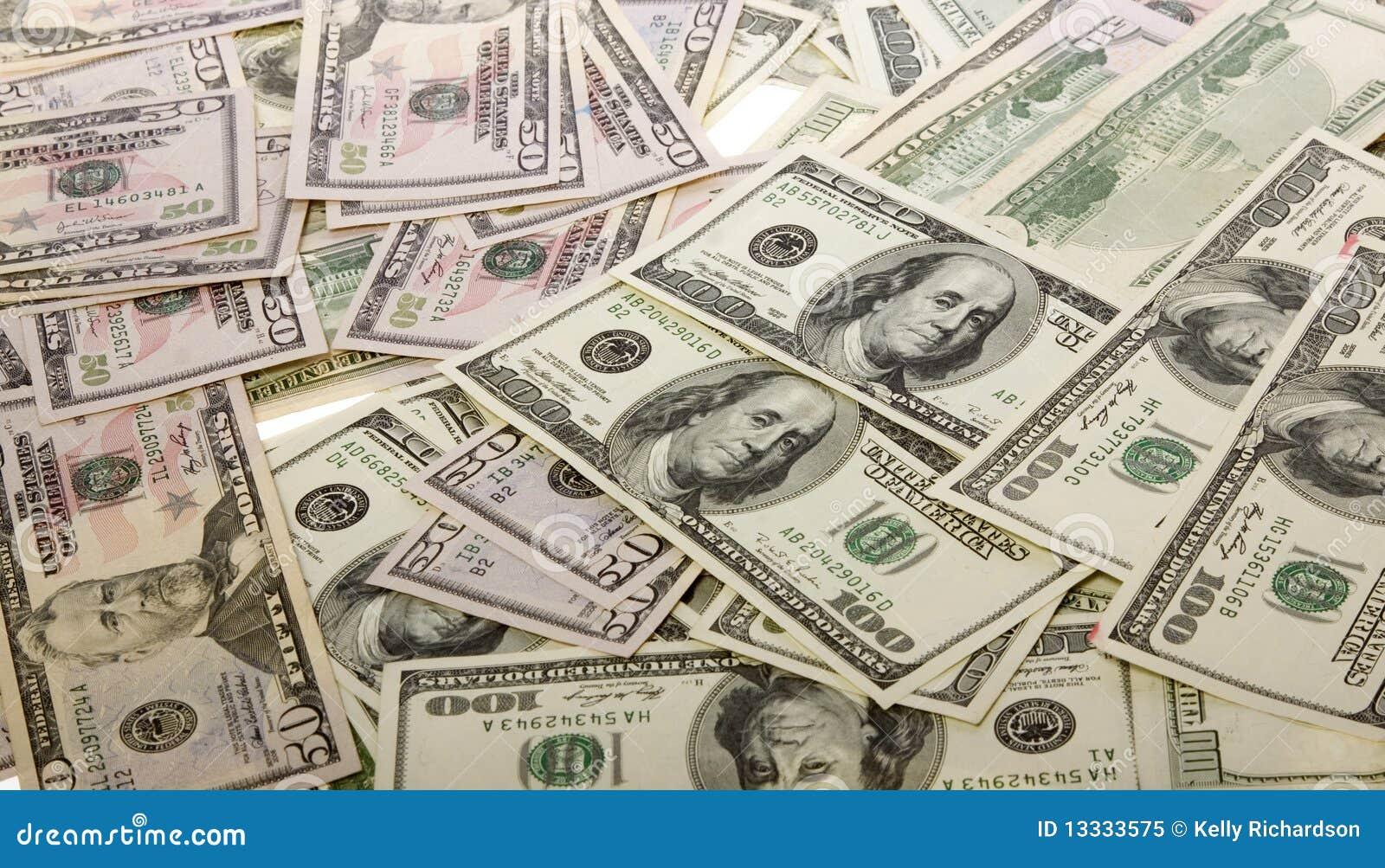 50 100 rachunków waluty dolarowy pieniądze stos my