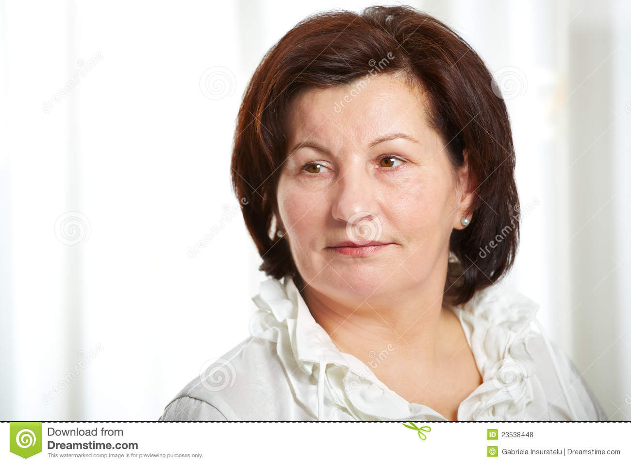 50-year-old-business-woman-23538448.jpg