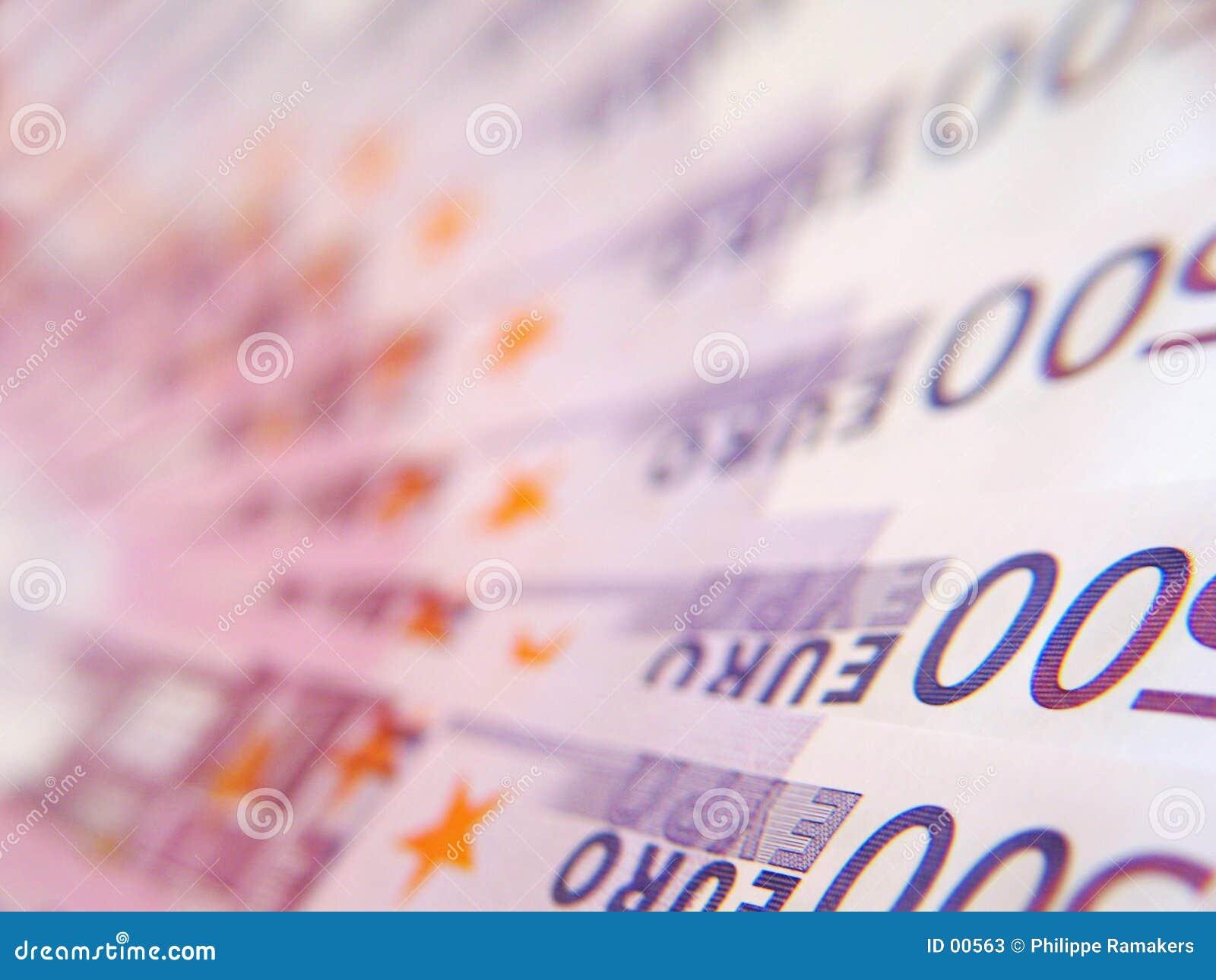 500 banknotów euro