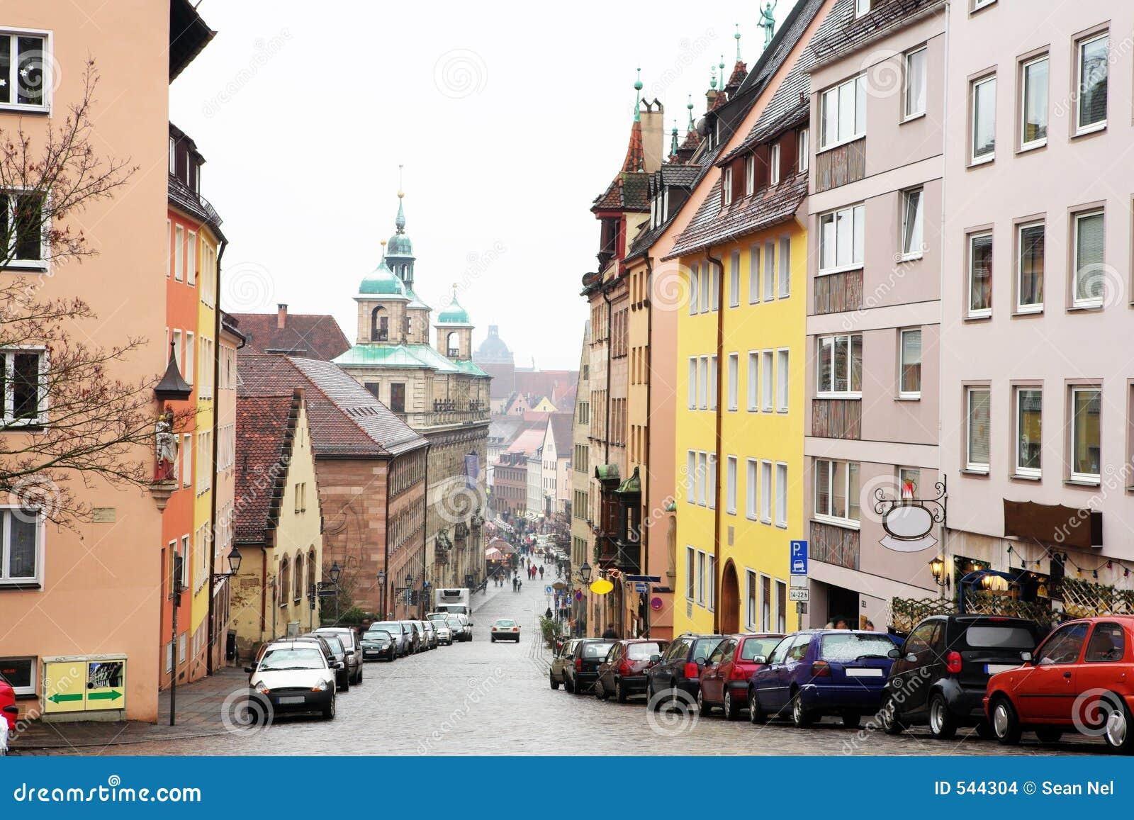 Download 57慕尼黑 库存照片. 图片 包括有 移动, 汽车, 布琼布拉, 布哈拉, 不列塔尼的, 有薄雾, 路面, 驱动器 - 544304