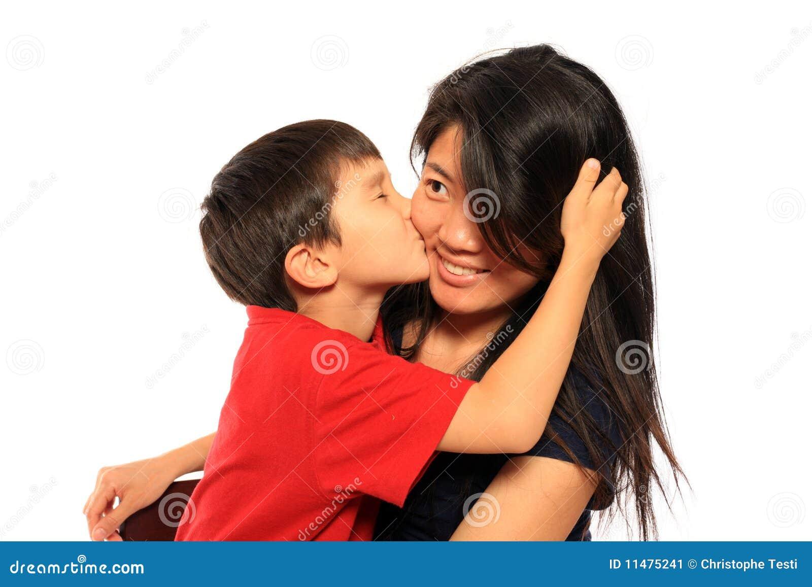 6亲吻的妈妈老年