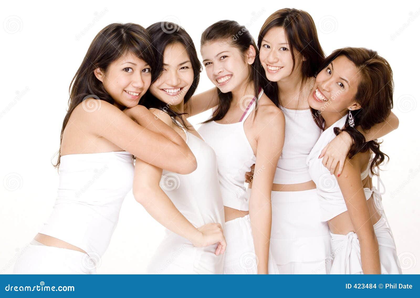 6 азиатских белых женщин