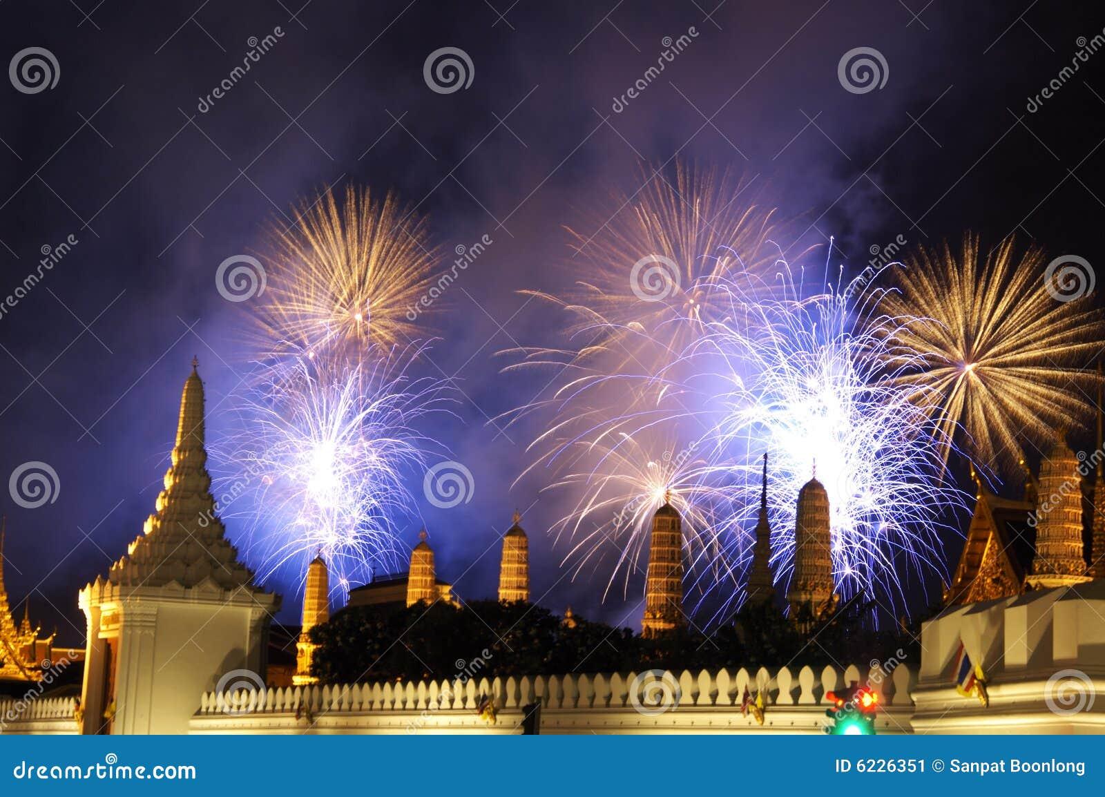 6 феиэрверков bangkok