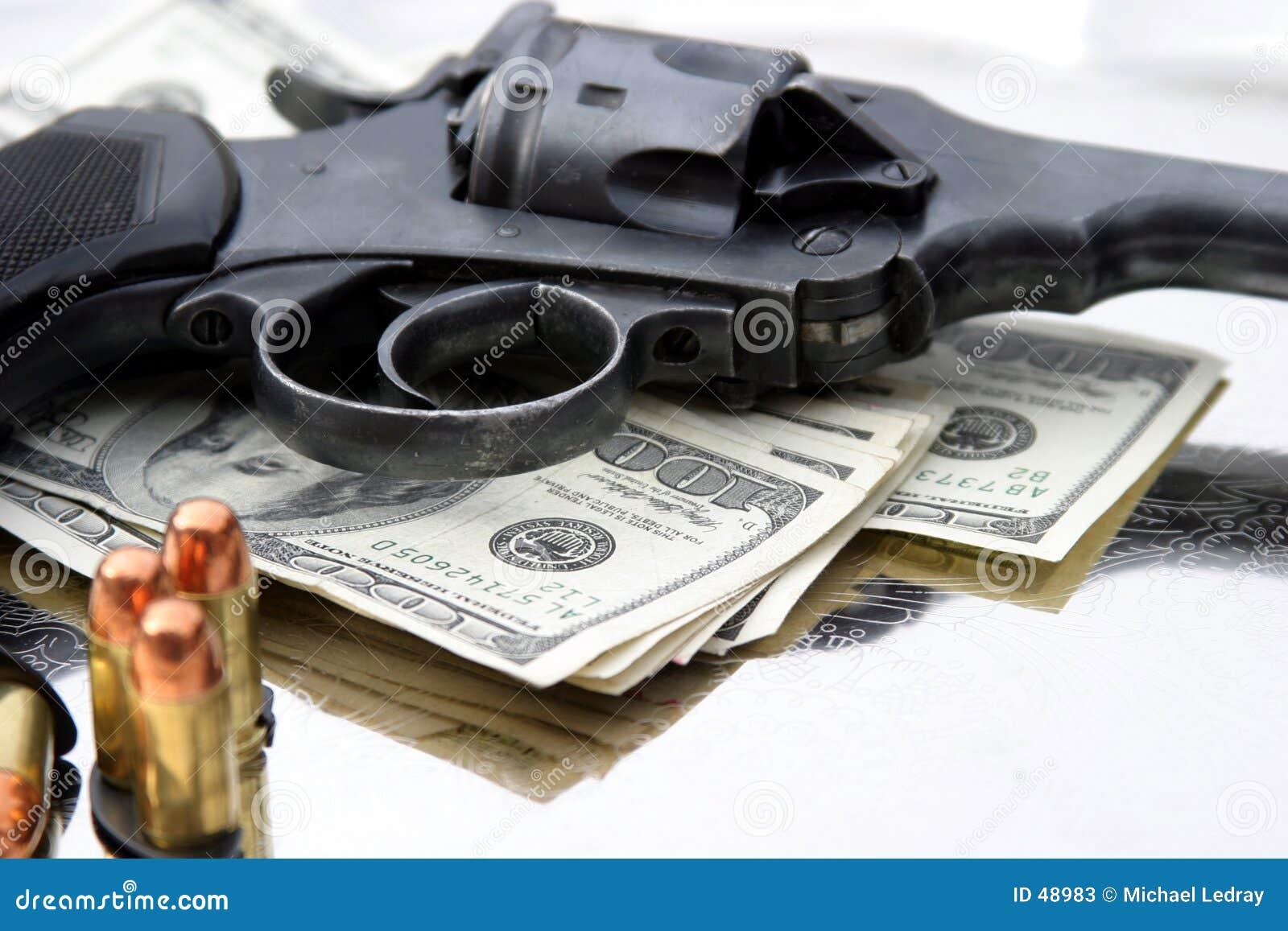 6 cale 45 pistolet