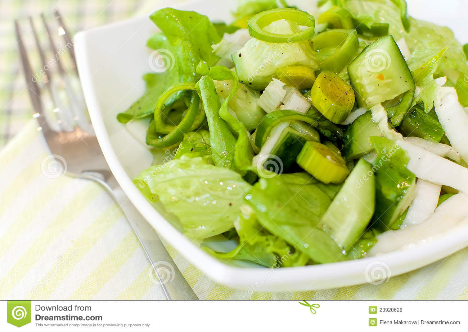 7 świeża zielona sałatka