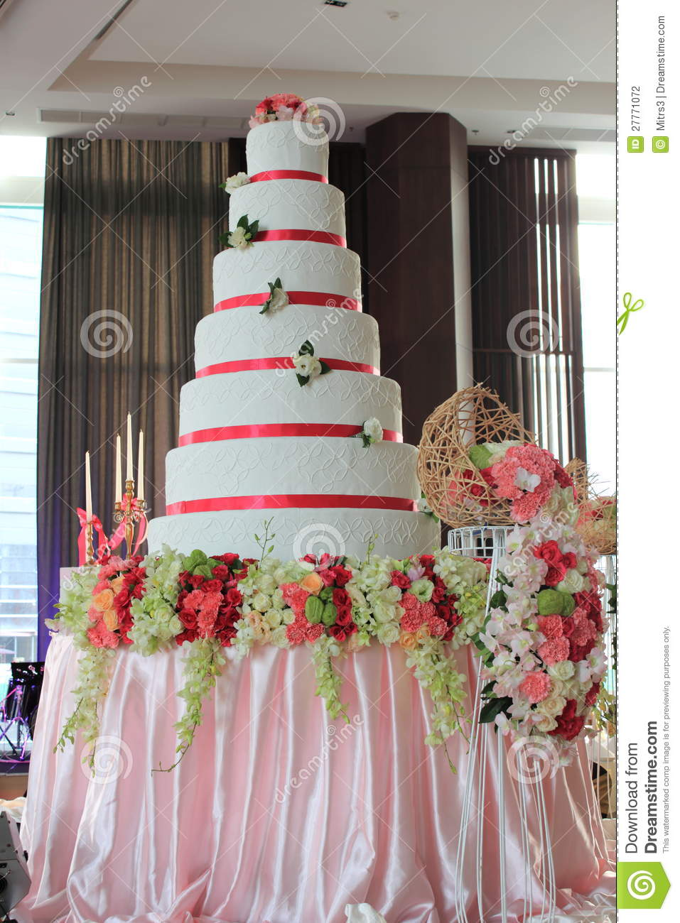 7 layer wedding cake 7 layer white wedding cake in stock photography 10502