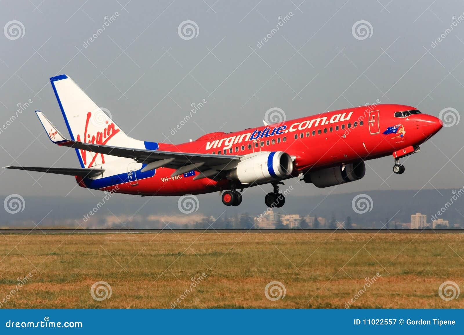 737 синь Боинг с принимать virgin