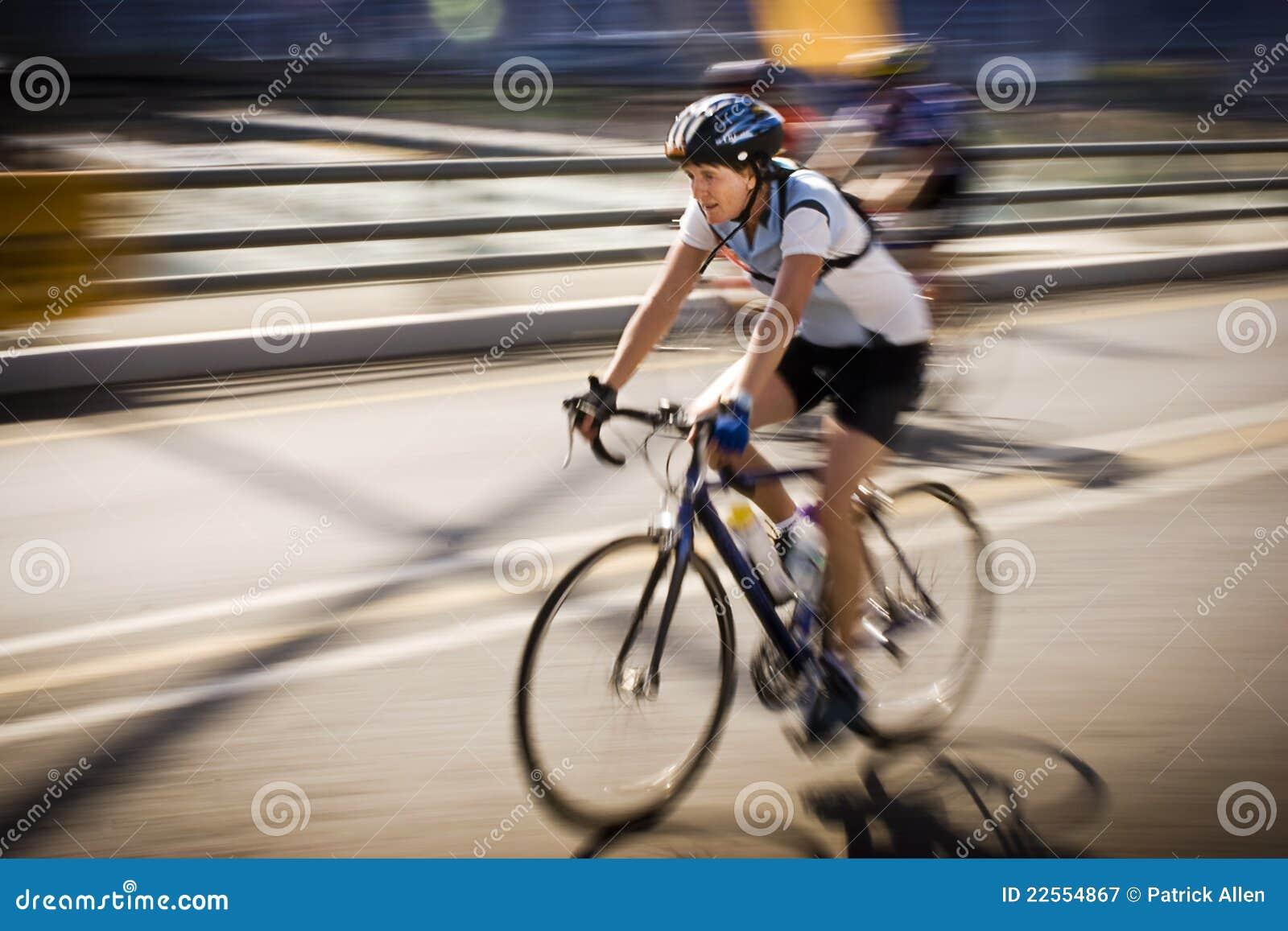 94.7 cycliste d enjeu de cycle