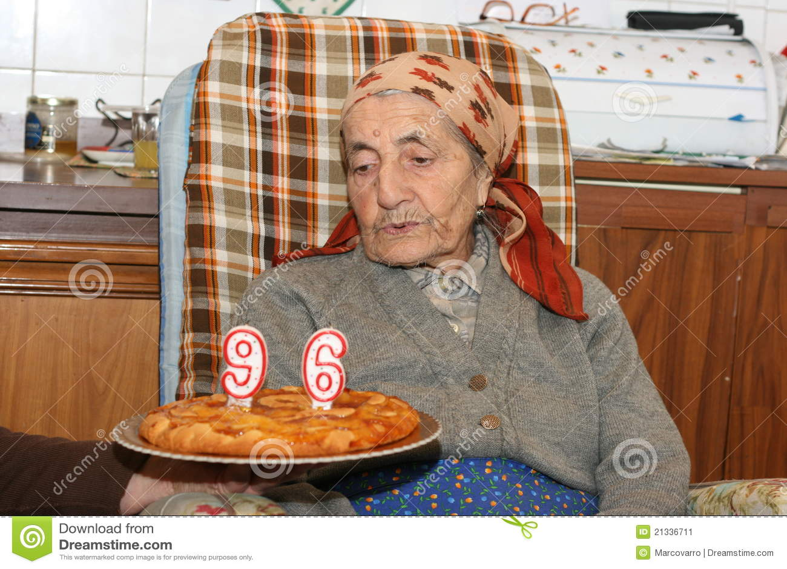 96 Jahre Alte Frau Stockbild Bild Von Kuchen Frau Geburtstag