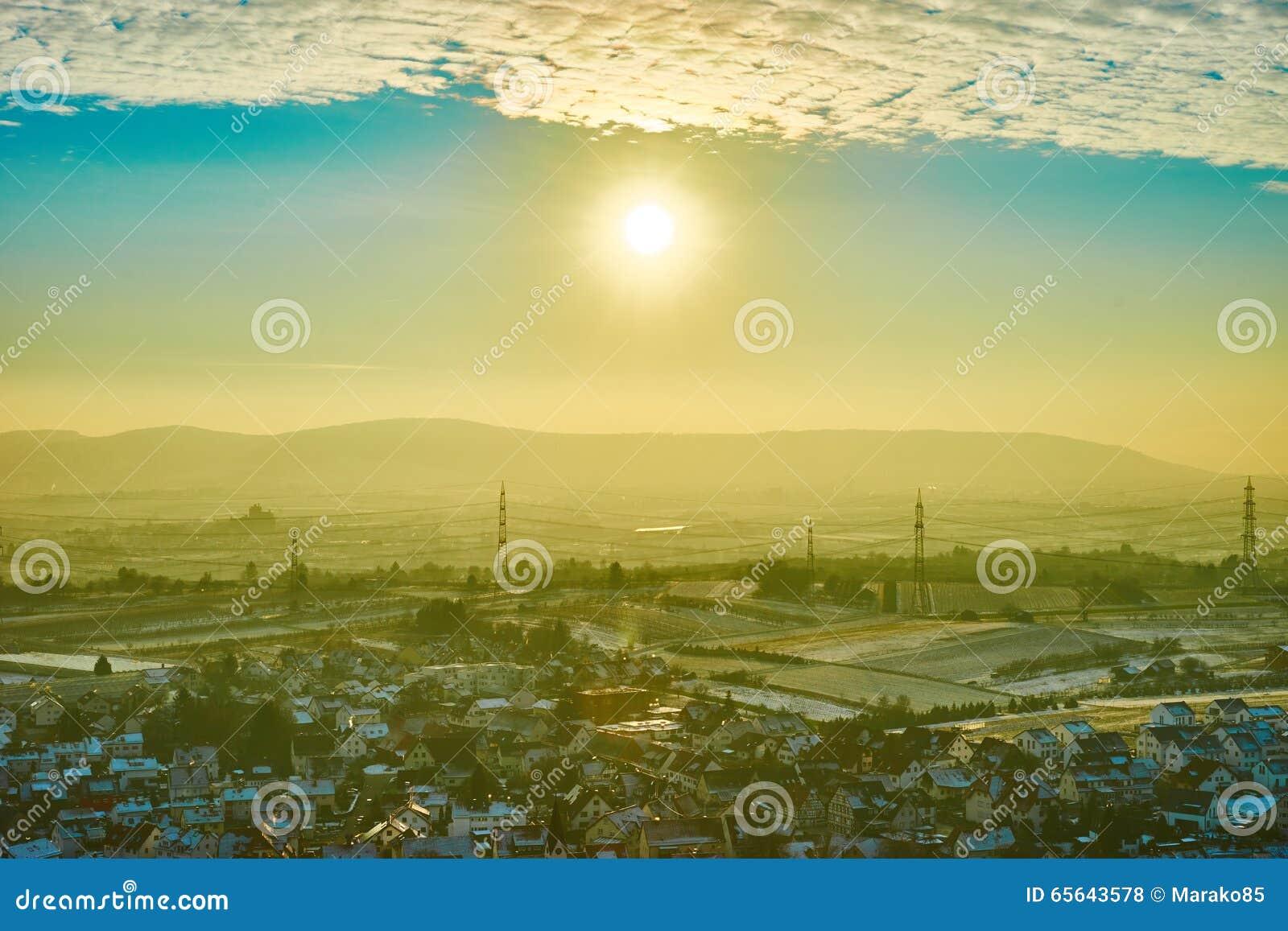 Aérolithe avec briller jaune dans Remstal Allemagne