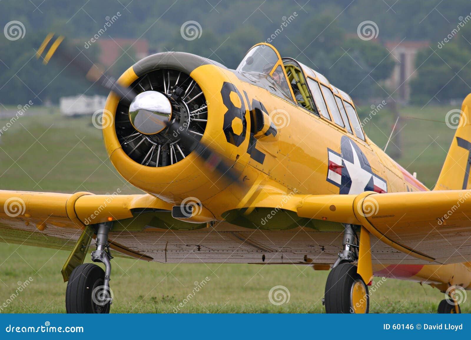 Download Aéronefs d'instruction photo stock. Image du warplanes, moteur - 60146