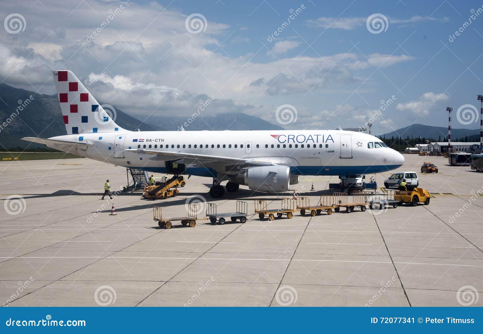 pas mal ecd85 34ef5 Aéroport De Dubrovnik Avec Le Jet Et Le Chariot à Bagages ...