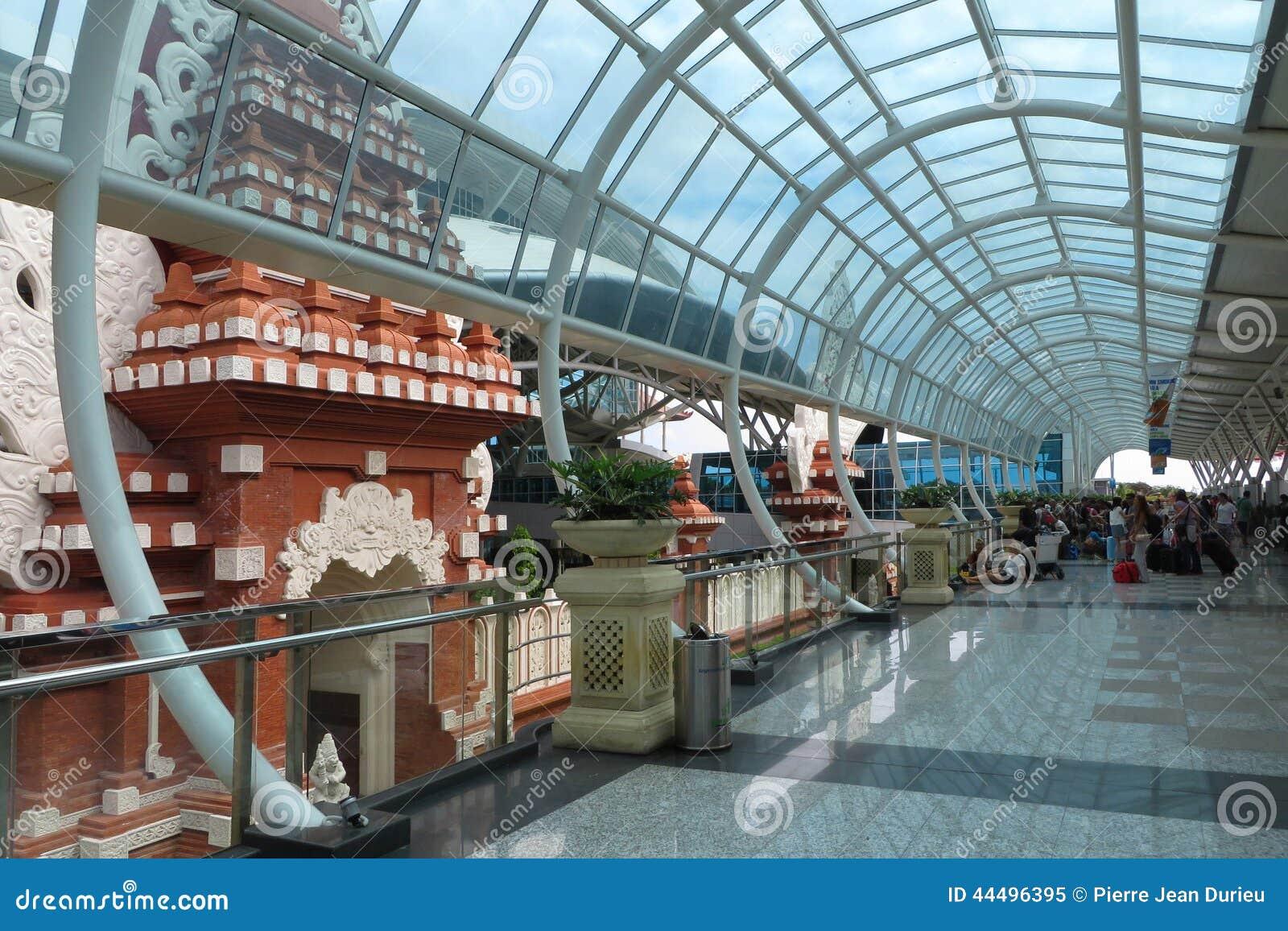 Aeroporto Denpasar : Aéroport international de denpasar image éditorial