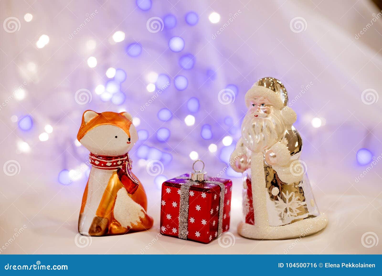 Año Nuevo con Papá Noel y el zorro rojo