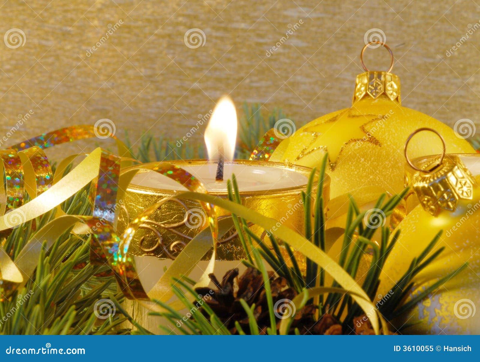 Aún-vida de la Navidad del oro