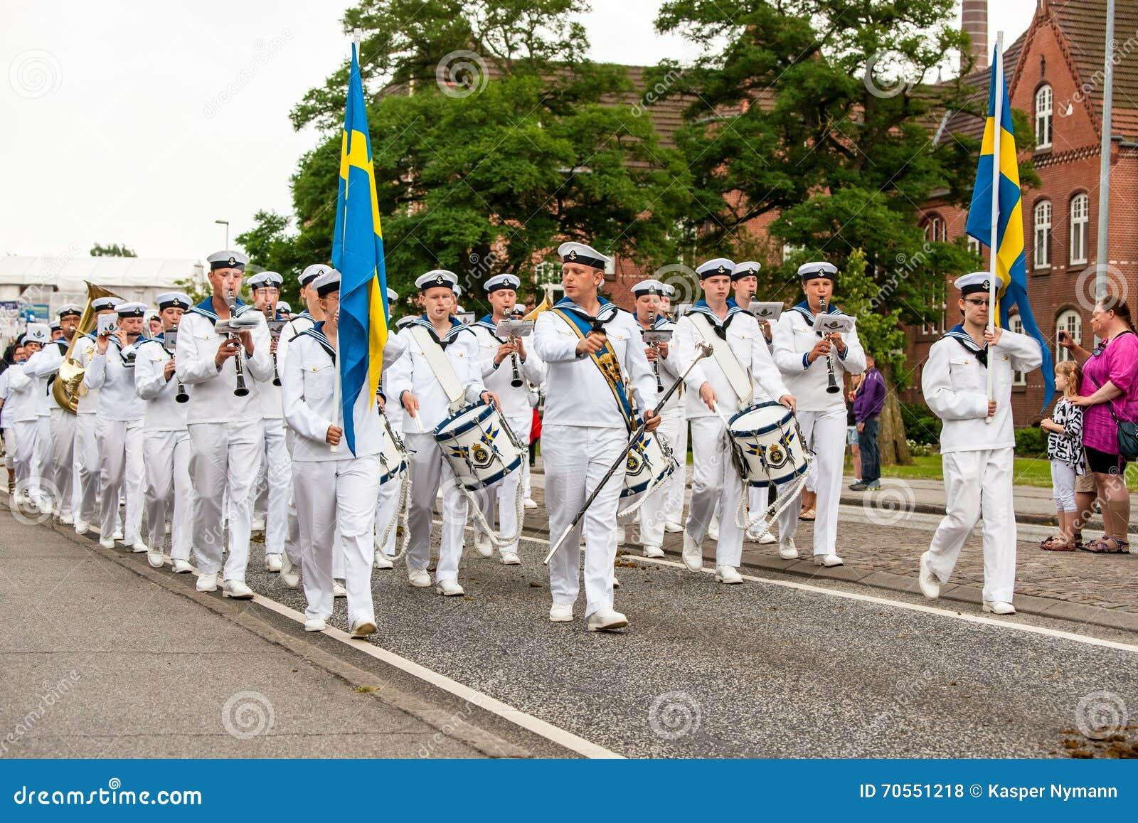 AABENRAA, DÄNEMARK - 6. JULI - 2014: Schwedisches tambour Korps an einem PA