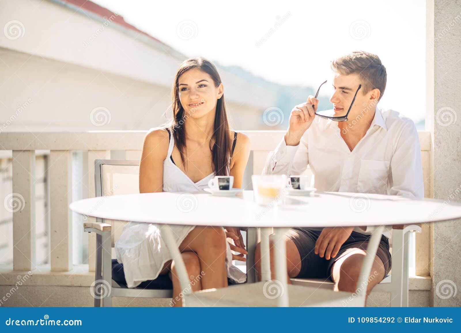 Online dating naar de eerste datum