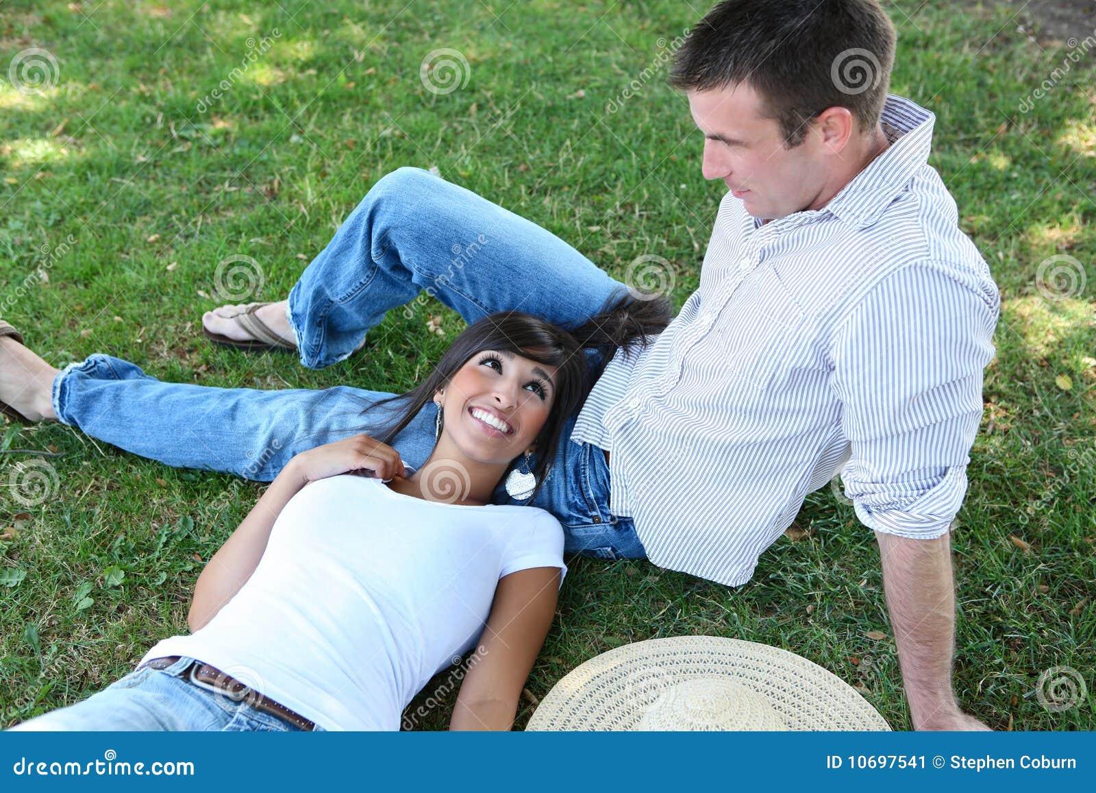Aantrekkelijk Paar in Park