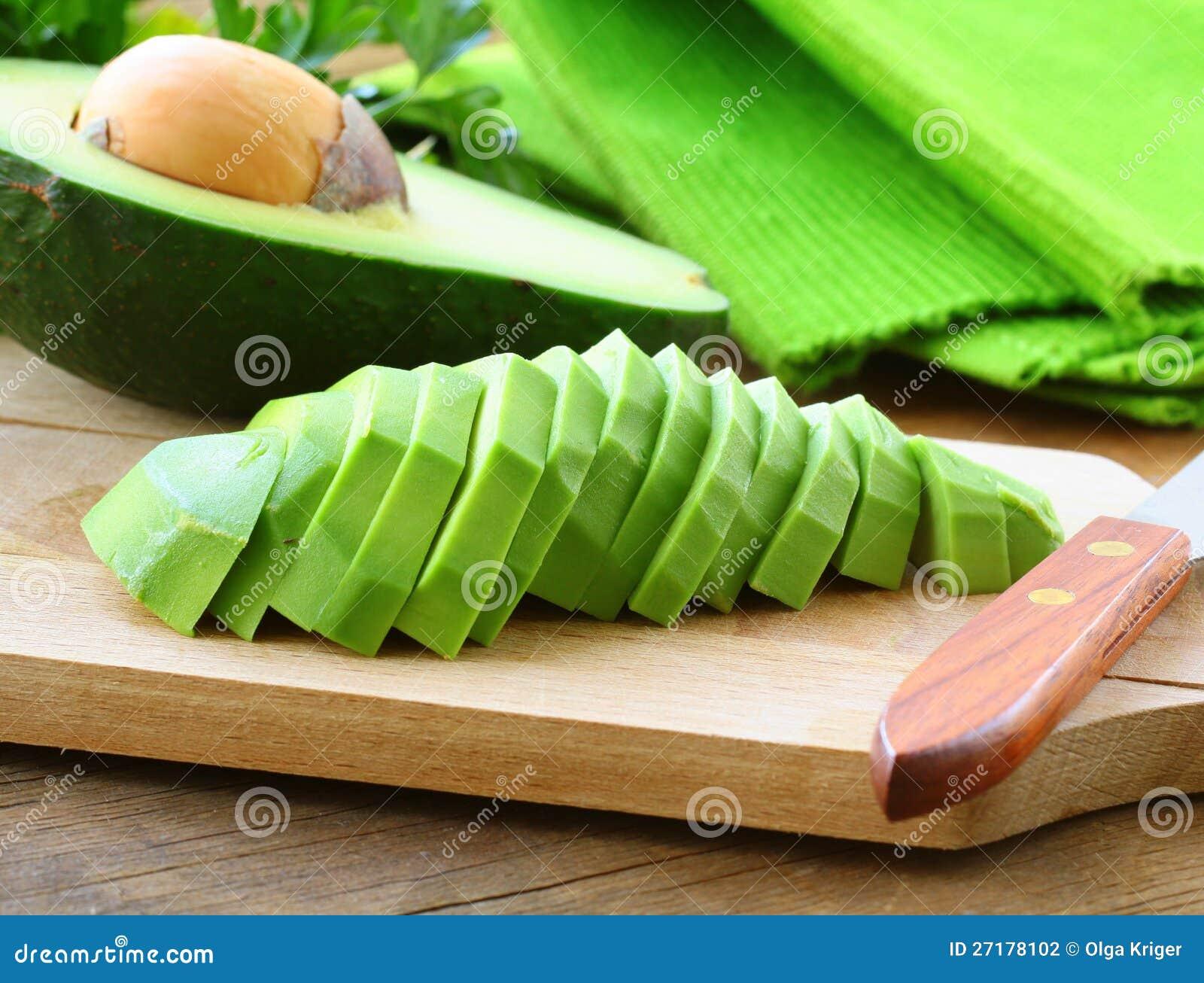 Abacate descascado limpado maduro cortado