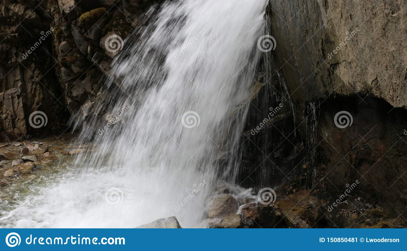 Abaissez Reid Falls dans Skagway, Alaska