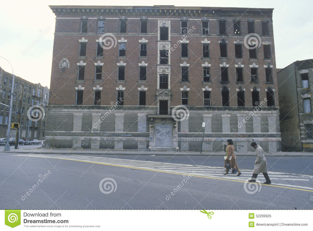 Abandoned Apartment Building In Ghetto South Bronx New York