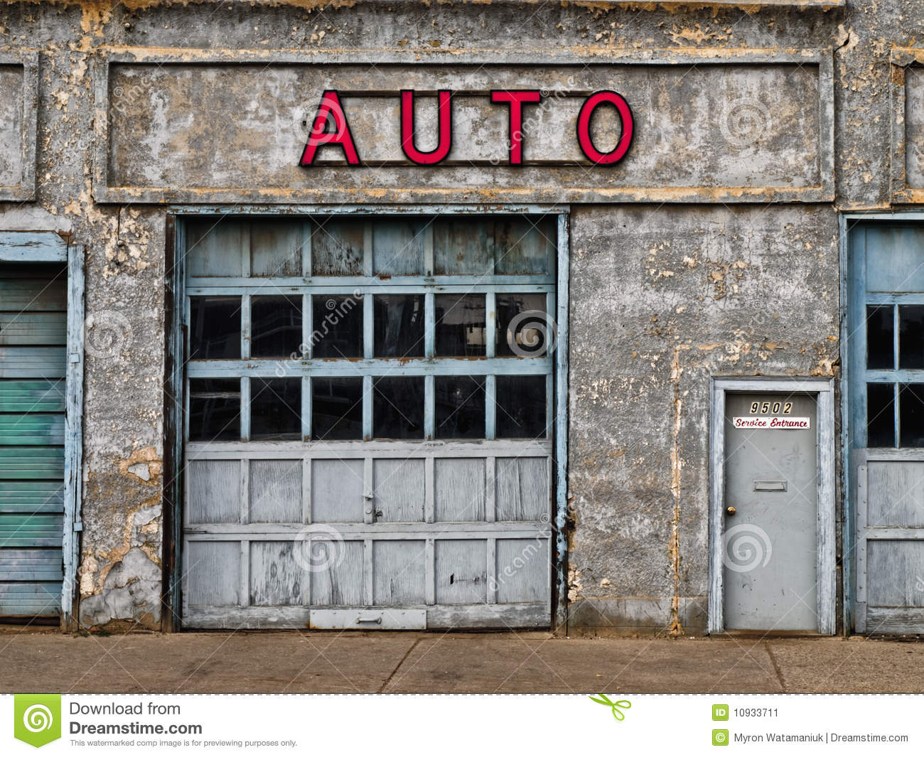 further Carte pays de la haute mayenne furthermore Car R in addition Diy Mini Beer Pong Game also Stock Image Abandoned Auto Shop Image10933711. on shop garage plans