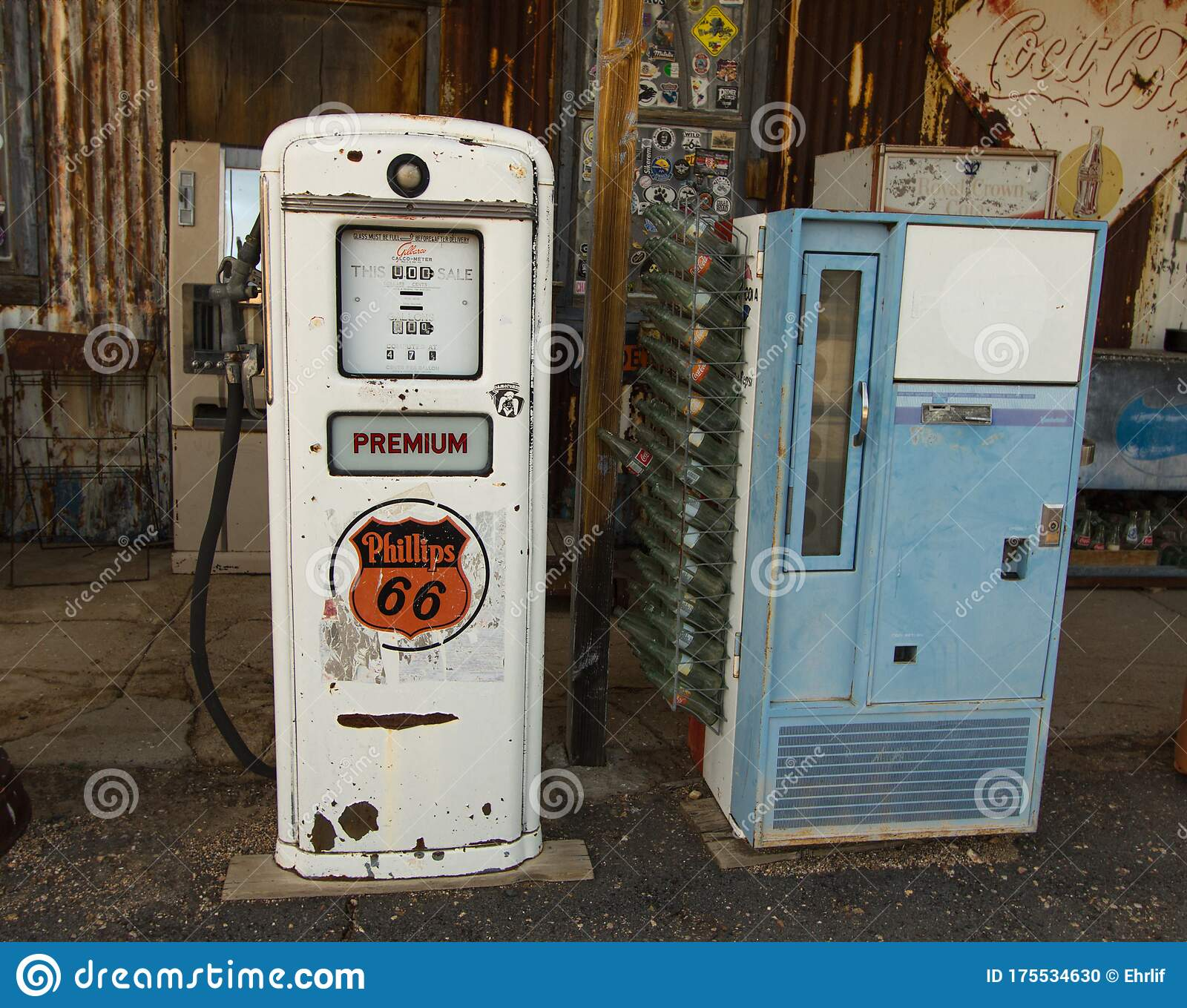 Abandoned Desert Gas Station On Route 66 Editorial Image Image Of Detail Gasoline 175534630