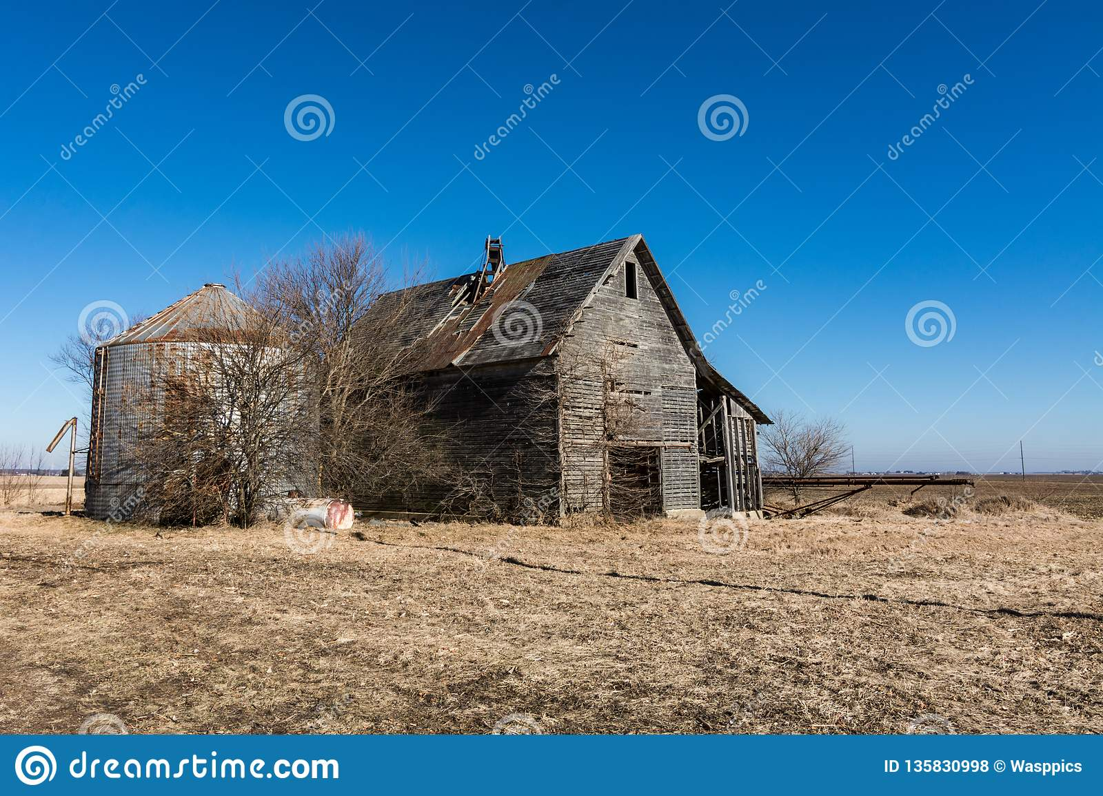 Abandoned And Dilapidated Farm Buildings In Rural Illinois