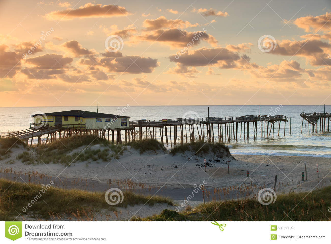 Abandoned fishing pier hatteras outer banks nc royalty for Fishing outer banks nc