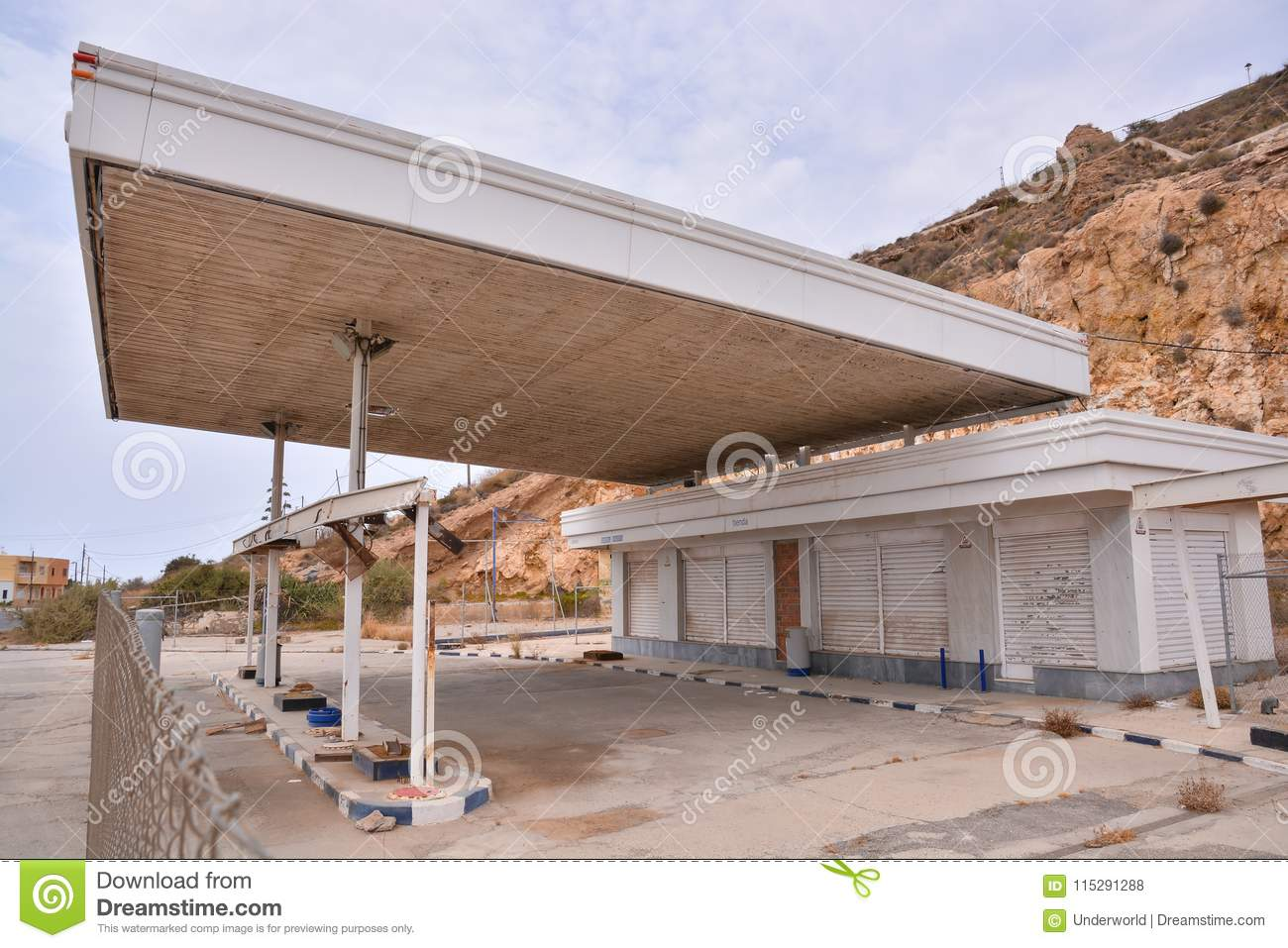 Abandoned Gas Station Along The Route 66 Stock Photo Image Of California Pumps 115291288