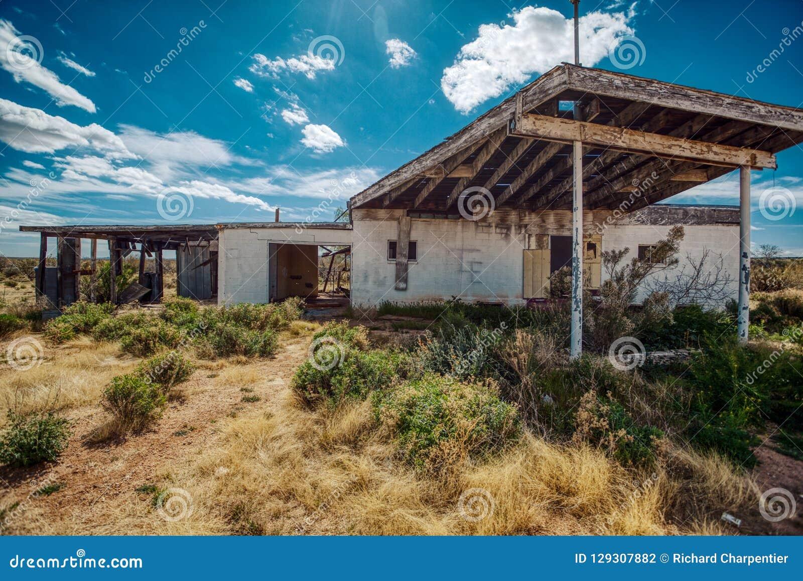Abandoned Gas Station Rots Away Under The Arizona Sun Stock Photo Image Of Mojave California 129307882