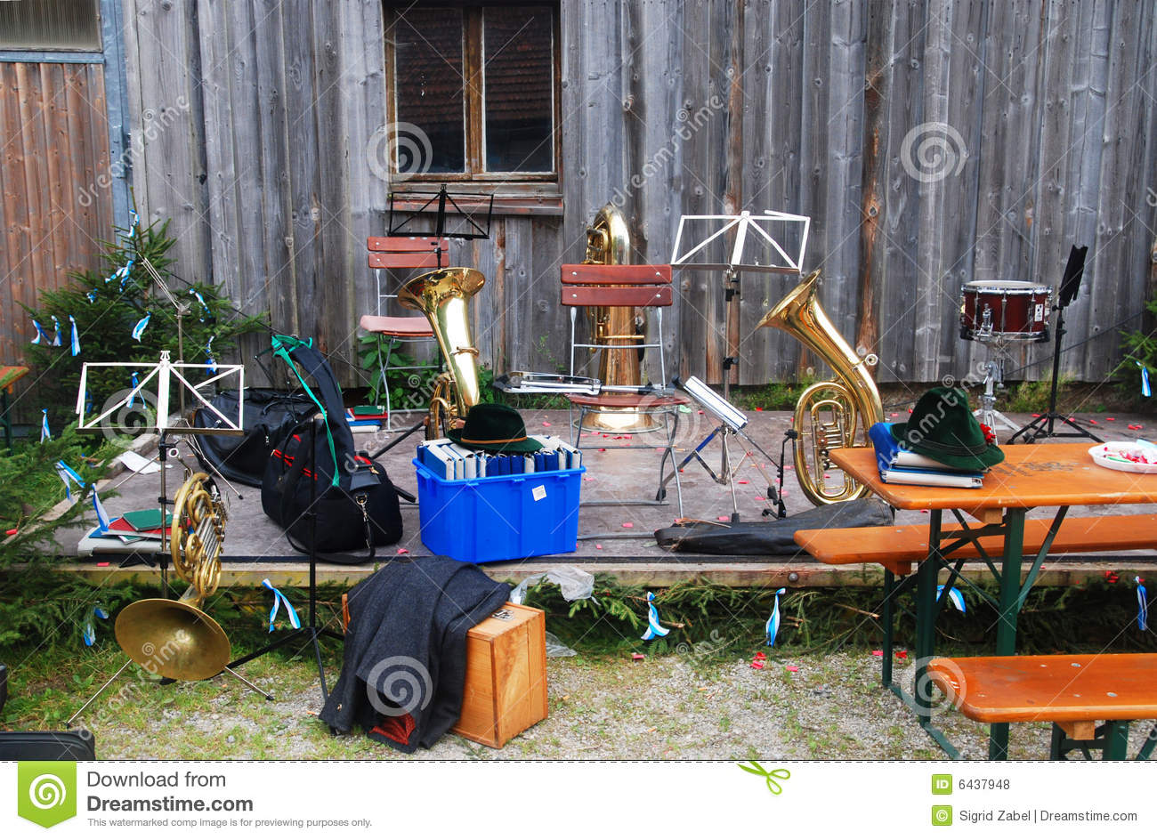 abandoned instruments royalty free stock photos image 6437948
