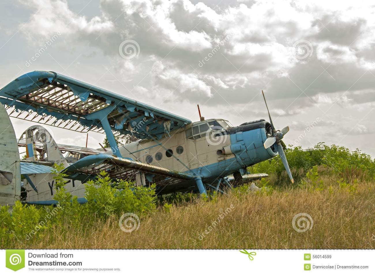 Winding Road Clipart Abandoned Old Plane Ru...