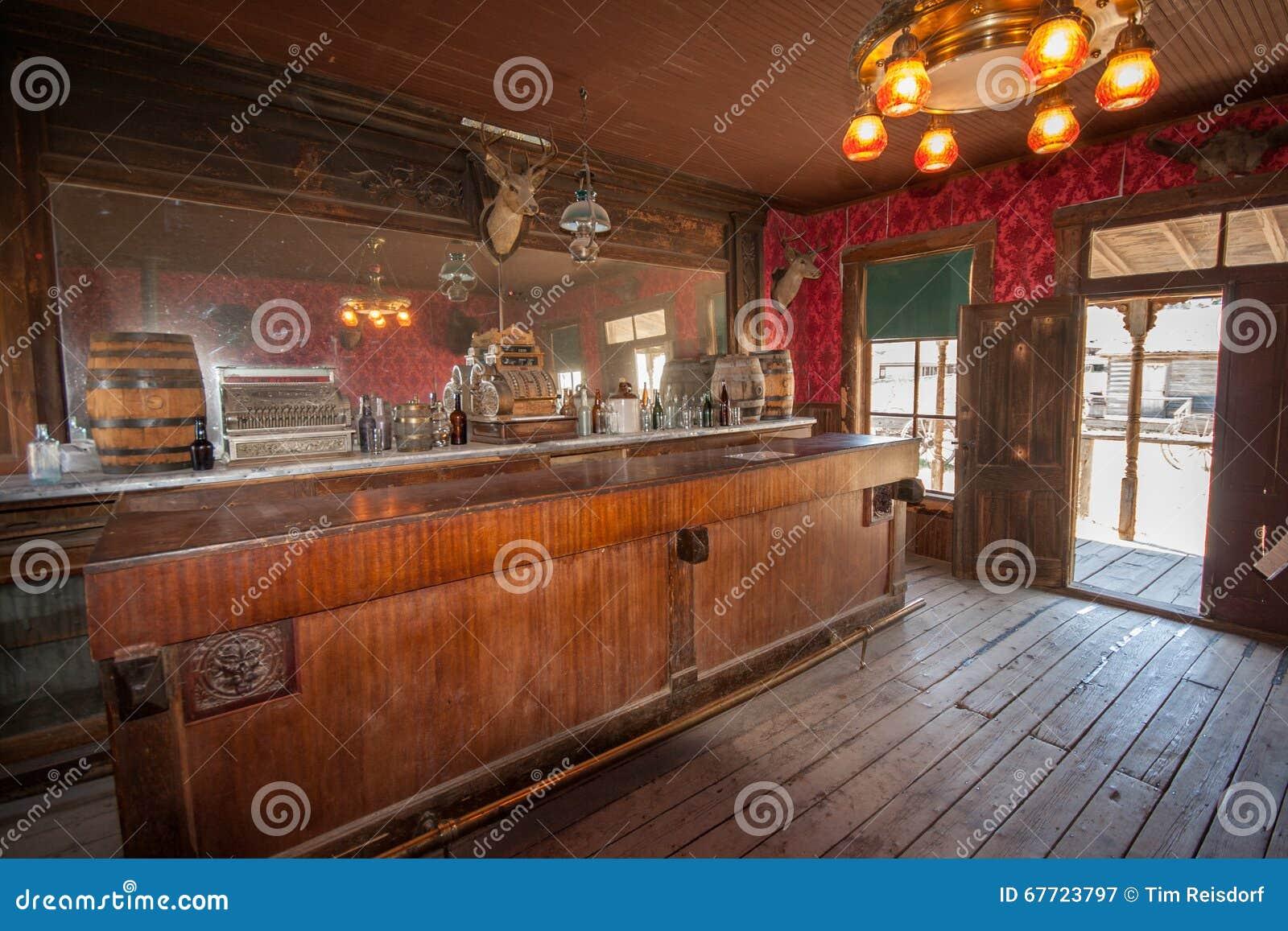Bullion Saloon - Maiden Montana 1913   Montana, Maiden