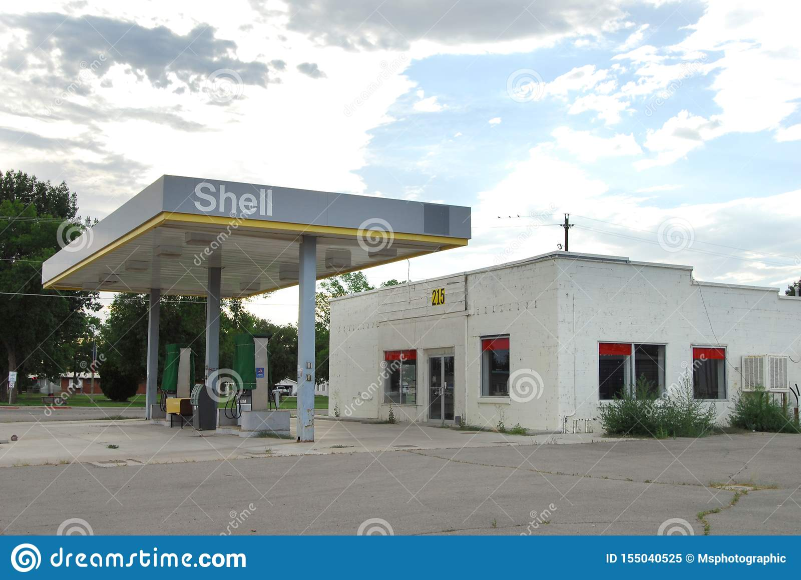 Abandoned Rural Gas Station Editorial Image Image Of Dirt Filling 155040525