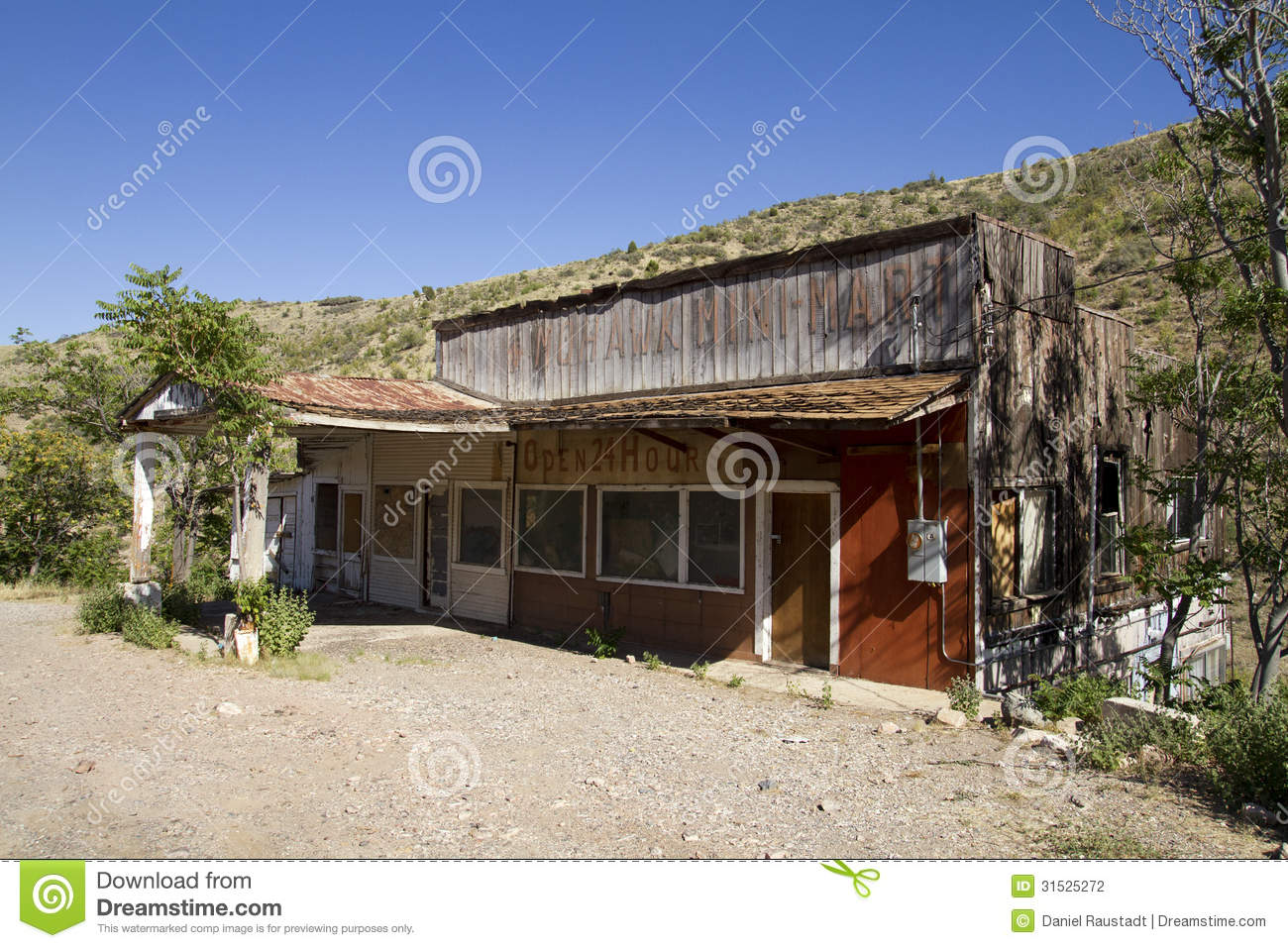 Abandoned western wooden store building stock photo for Building a house in arizona