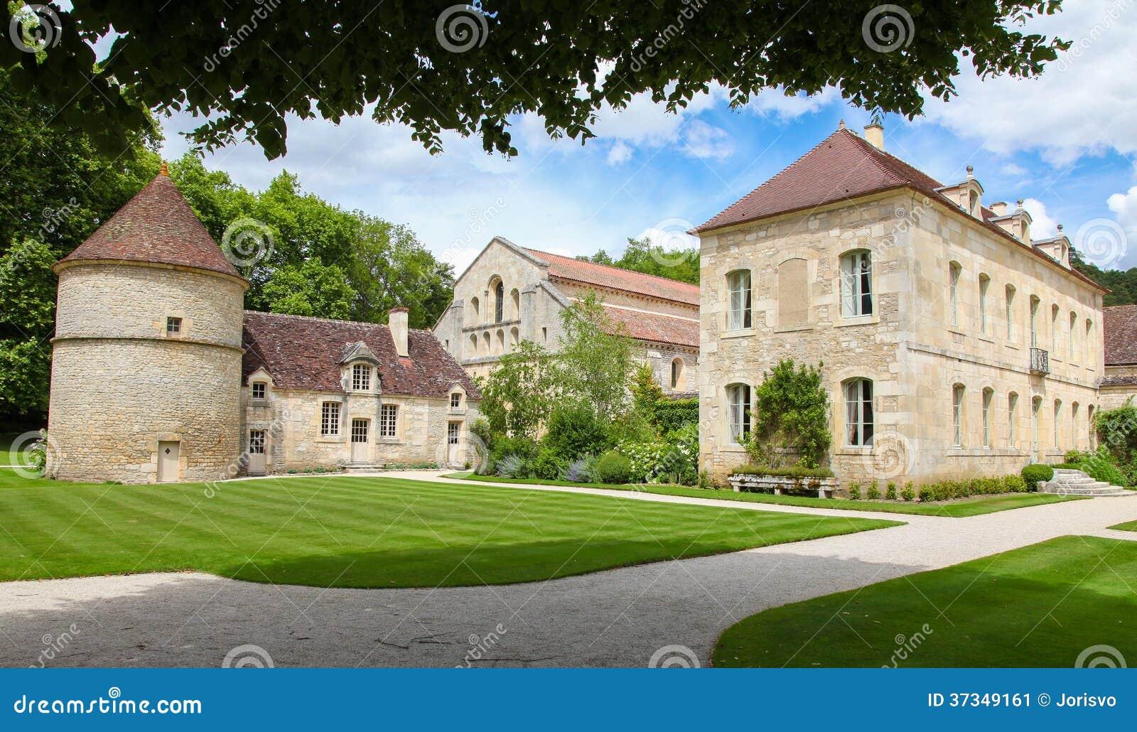 Abbotskloster av Fontenay